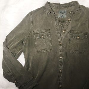 American Eagle button shirt L green